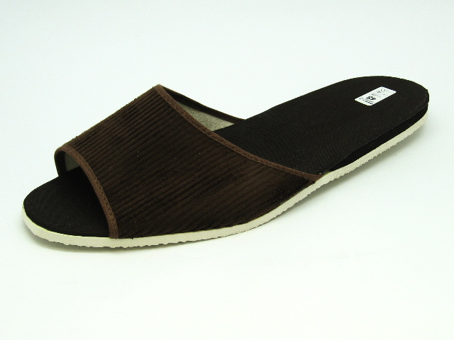 Nadměrná domácí obuv BP017 pantofle hnědé